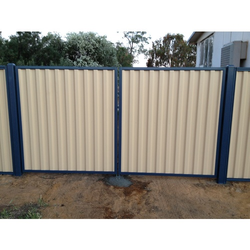 Tiger Colourbond Double Gate 1750mm H x 1610mm x 2 STD W with Trimdek Sheets, Open In